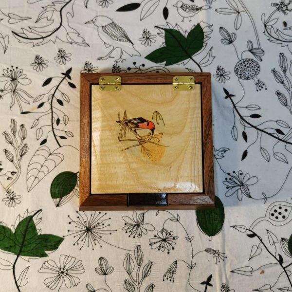 Square wooden jewellery box with a sparrow design